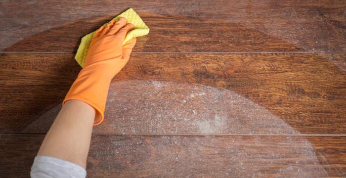 Làm sạch bề mặt gỗ